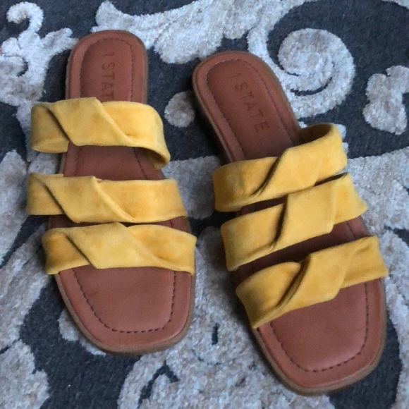 9a79a5e35e35c6 STATE Leather yellow sandals Sz 8.5M